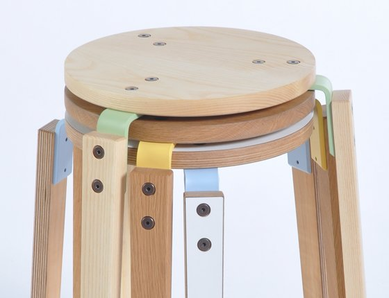 wooden_stool_without_back_3