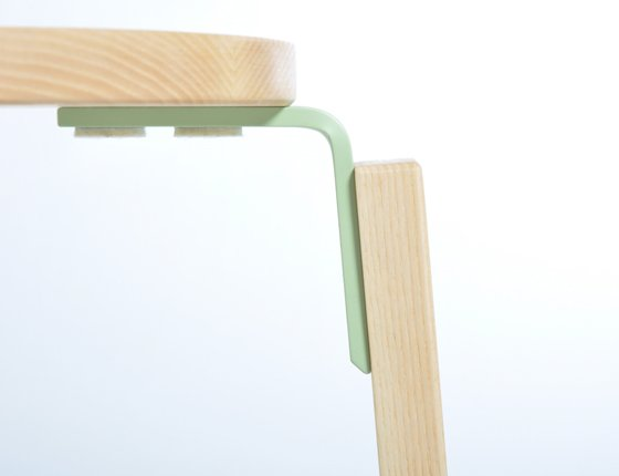 wooden_stool_without_back_4