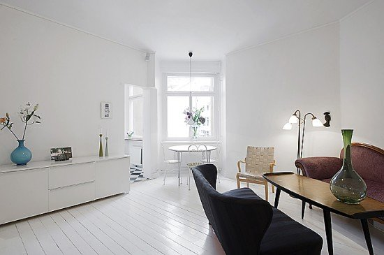 white-small-apartment-interior-design-with-minimalism-ideas-550x365