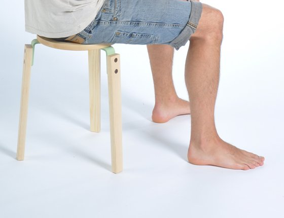 wooden_stool_without_back
