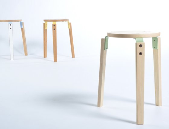 wooden_stool_without_back_1